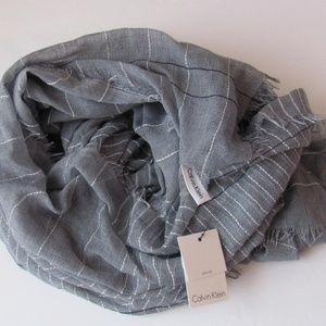 Calvin Klein NWT Gray Stripped Neck Scarf Wrap O/S